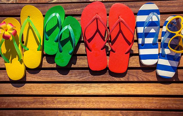 Zapatillas y chanclas de goma